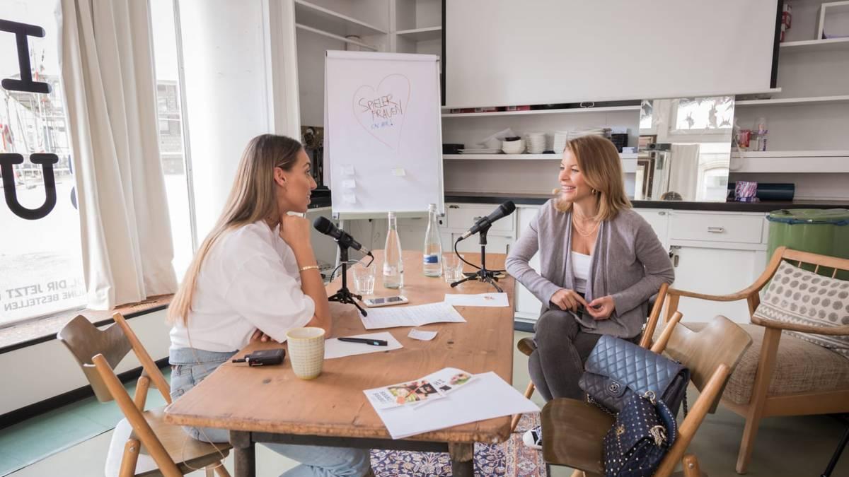 Der Podcast Spielerfrauen on air mit Ina Aogo und Mirjana Zuber läuft fortan bei SPORT1