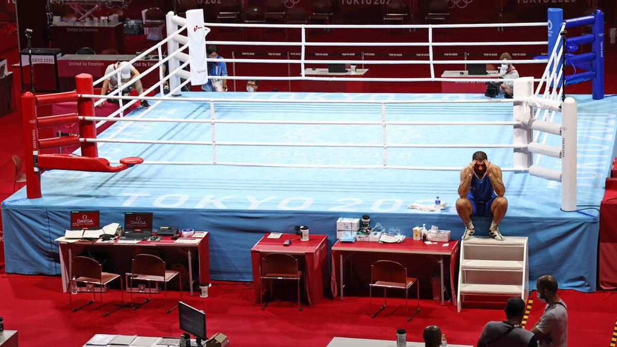 Mourad Aliev weigerte sich, die Ringplattform zu verlassen