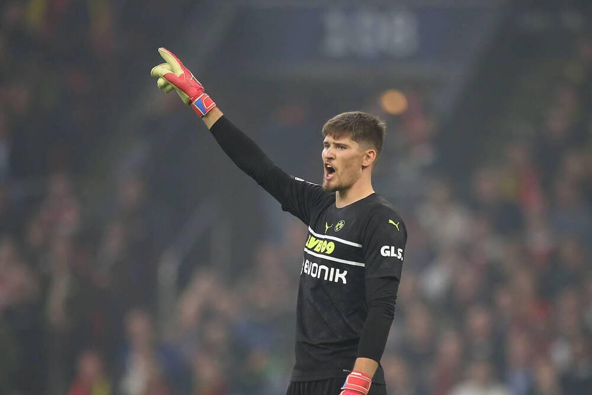 Bei Ajax Amsterdam kommt Borussia Dortmund historisch unter die Räder und erlebt in der Champions League einen empfindlichen Rückschlag. Mit einigen Tagen Abstand versucht sich Gregor Kobel an einer Erklärung.
