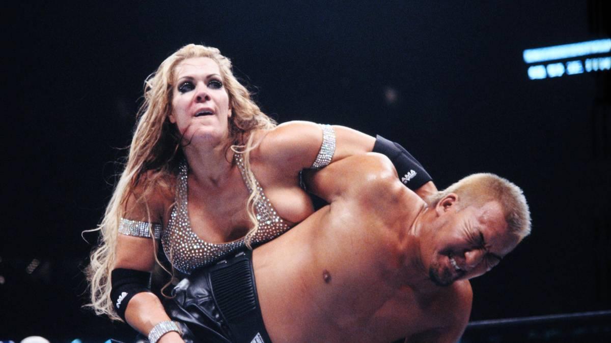 Chyna WWE Wrestling Joanie Laurer
