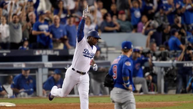 Yasiel Puig feiert seinen Homerun für die Los Angeles Dodgers