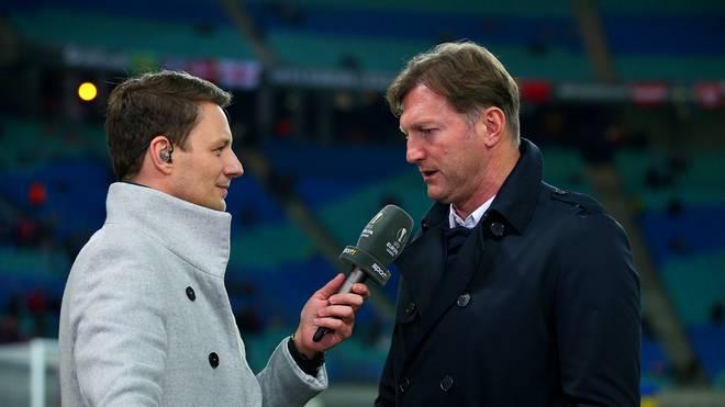 SPORT1-Moderator Jochen Stutzky im Interview mit RB-Trainer Ralph Hasenhüttl