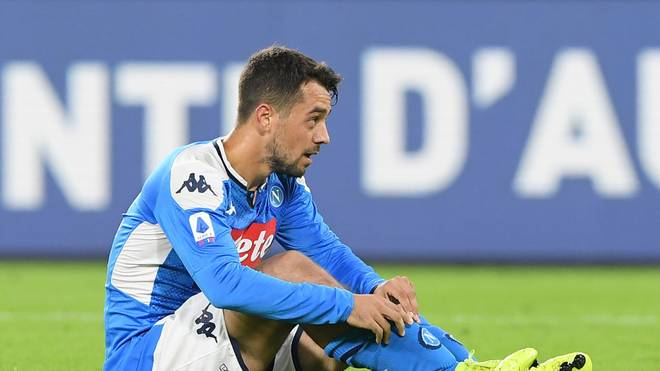 NAPLES, ITALY - OCTOBER 19: Amin Younes of SSC Napoli during the Serie A match between SSC Napoli and Hellas Verona at Stadio San Paolo on October 19, 2019 in Naples, Italy. (Photo by Francesco Pecoraro/Getty Images)