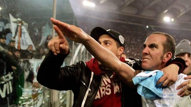 Paolo di Canio grüßte die Fans als Spieler mit dem Saluto Romano