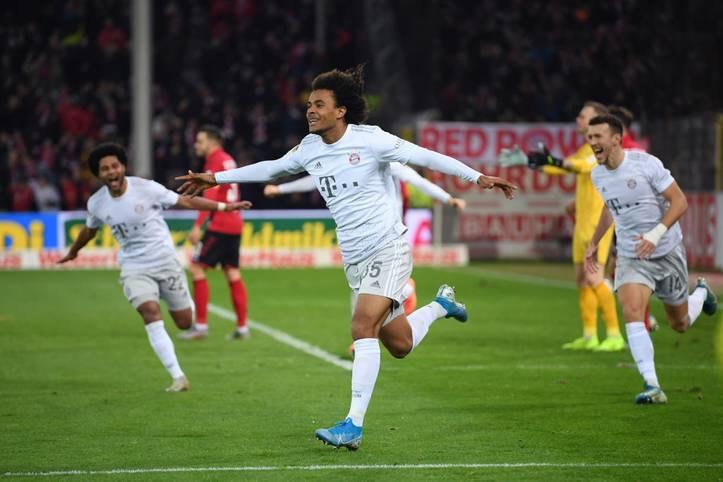 Joshua Zirkzee machte am Mittwochabend von sich reden. Beim Stand von 1:1 in Freiburg eingewechselt, erzielte der 18-Jährige kurze Zeit später mit seinem ersten Ballkontakt in der Bundesliga sein erstes Tor. Dank des Niederländers siegten die Bayern schlussendlich mit 3:1