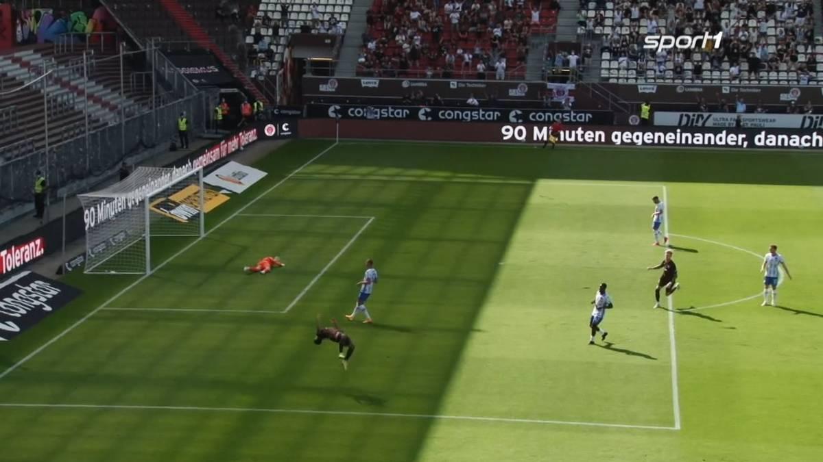 Der FC St. Pauli und Hertha BSC trennen sich in einem torreichen Testspiel mit 2:2. Guido Burgstaller vergibt dabei eine XXL-Chance.
