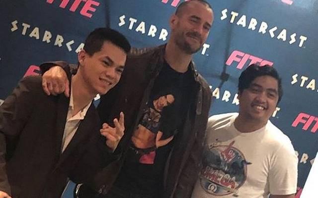 CM Punk war vor AEW All Out beim Fan-Fest Starrcast