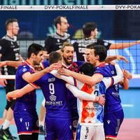 Gala gegen Netzhoppers! Frankfurt erstmals Pokalsieger