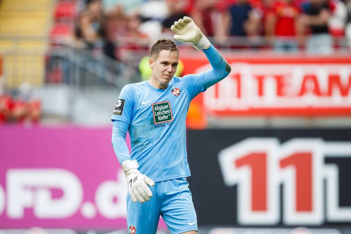 Matheo Raab sorgt beim 1. FC Kaiserslautern für einen Rekord. Der Keeper stellt Torwart-Größen wie Kevin Trapp und Tim Wiese in den Schatten.