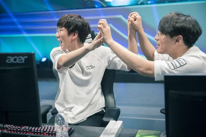 Im ersten Viertelfinale mussten sich die Koreaner von Samsung Galaxy in der Nacht von Donnerstag auf Freitag behaupten. Wie jedes koreanische Team, setzten sich auch Ambition und Co. als Gruppensieger durch und trafen in der Runde der besten Acht auf ...