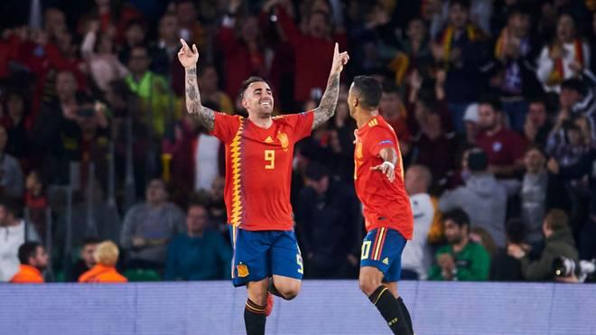 Paco Alcácer (l.) und Thiago laufen wieder im spanischen Trikot auf