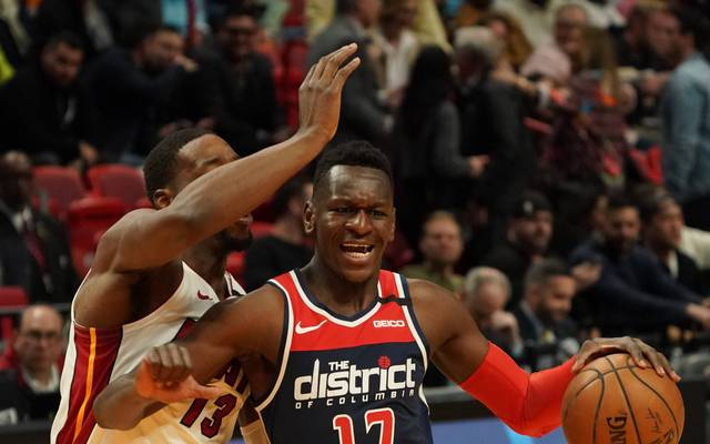 Isaac Bonga (l.) spielt seit dieser Saison bei den Washington Wizards