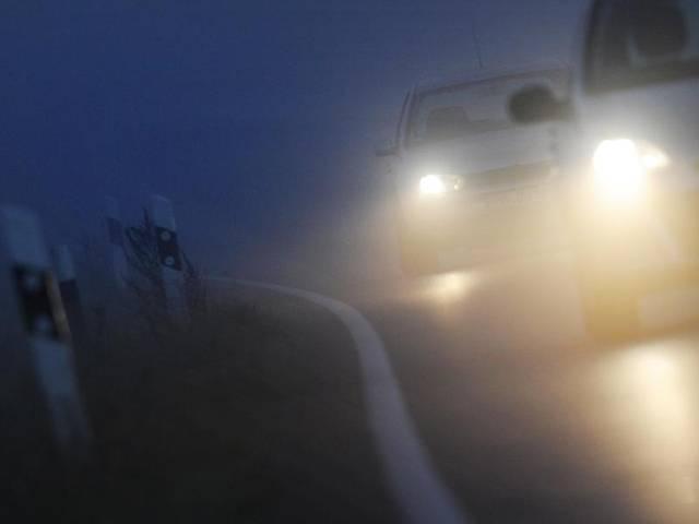 Herbst, Nebel, Auto