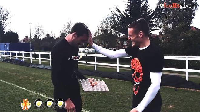 Christian Fuchs (l.) und Jamie Vardy bei ihrem persönlichen Osterspaß