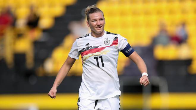 THESSALONIKI, GREECE - OCTOBER 08: Alexandra Popp of Germany celebrates after scoring her team`s first goal  during the UEFA Women's European Championship 2021 qualifier match between Greece and Germany at Kleanthis Vikelidis on October 8, 2019 in Thessaloniki, Greece. (Photo by Christian Kaspar-Bartke/Getty Images for DFB)