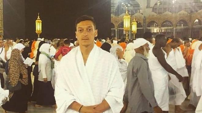 Mesut Özil rockt mit diesem Bild das Netz
