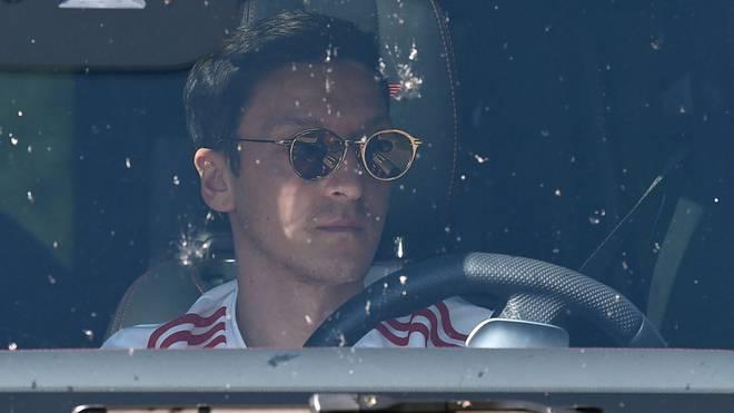 Fristet derzeit ein sportliches Schatten-Dasein: Mesut Özil