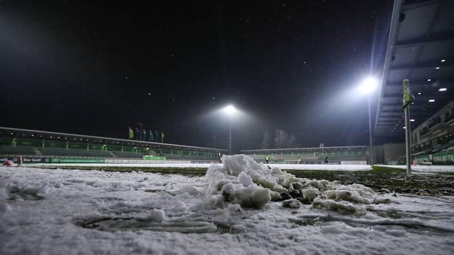 In Wolfsburg wurde am Freitag noch gespielt, drei andere Spiele der Frauen-Bundesliga fielen am Wochenende hingegen aus