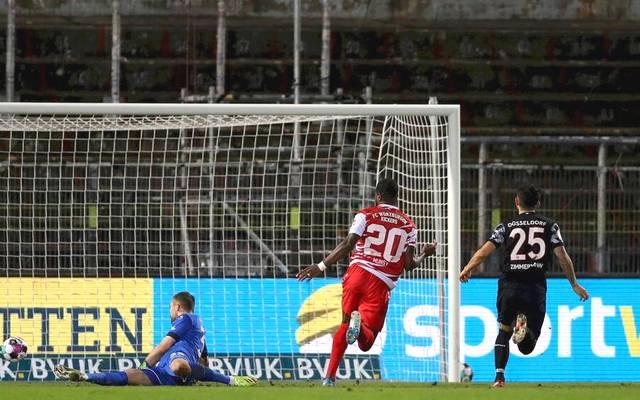 Ridge Munsy (m.) erzielte beide Treffer für die Würzburger Kickers beim Sieg gegen Fortuna Düsseldorf