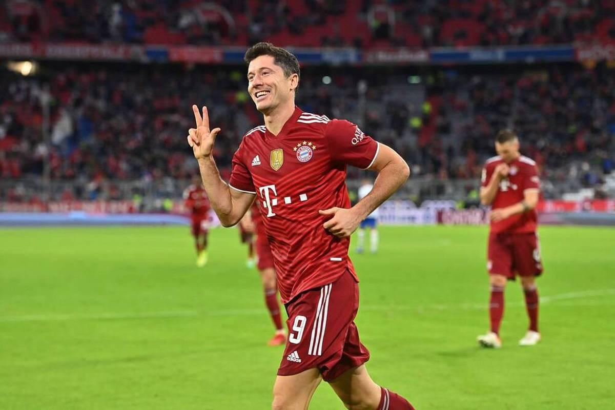 Robert Lewandowski übertrifft in der vergangenen Saison den Uralt-Rekord von Gerd Müller - jetzt wird Bayerns Torjäger dafür ausgezeichnet.
