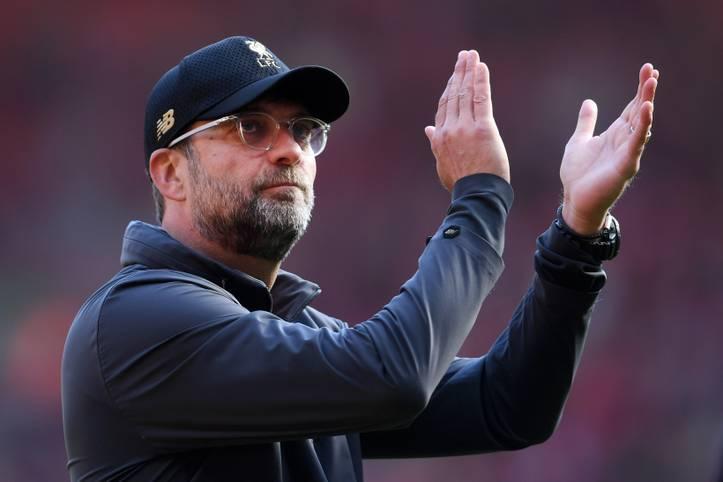 Unter Jürgen Klopp erlebt der FC Liverpool einen riesigen Aufschwung. Der ehemalige BVB-Trainer führte die Reds seit seinem Amtsantritt 2015 an die unmittelbare Spitze der Premier League