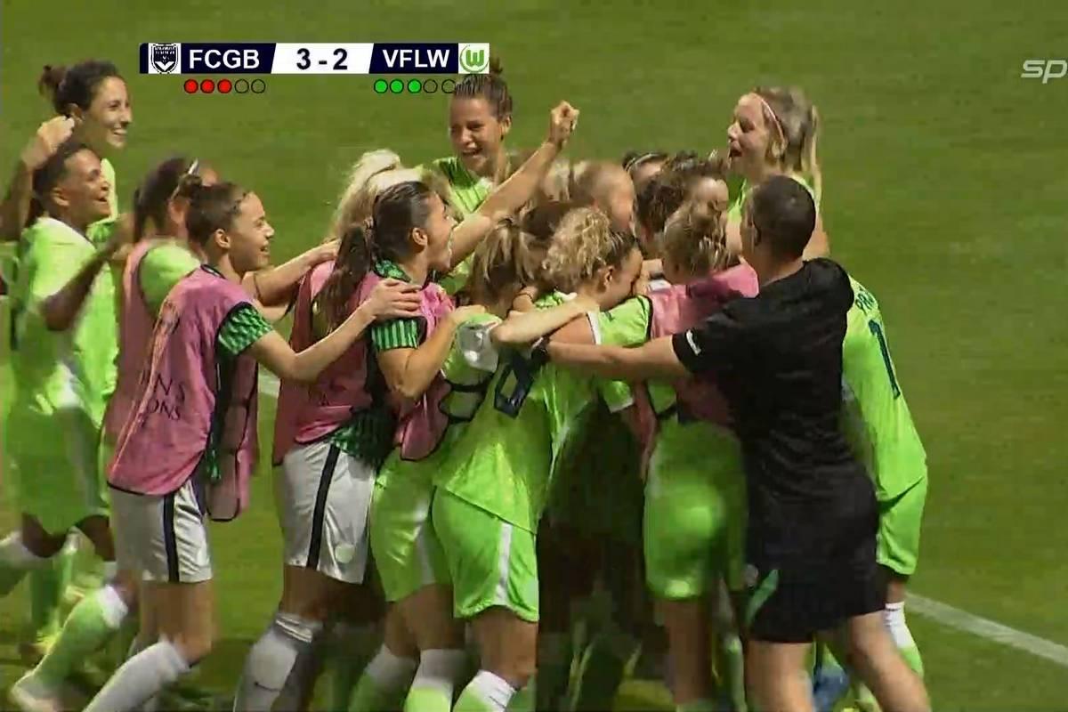 Die Frauen des VfL Wolfsburg zittern sich in die Champions League. Torhüterin Almuth Schult wird im Elfmeterschießen zur Heldin.
