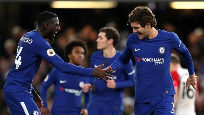 Tiemoue Bakayoko (l.) spielt seit vergangenen Sommer beim FC Chelsea