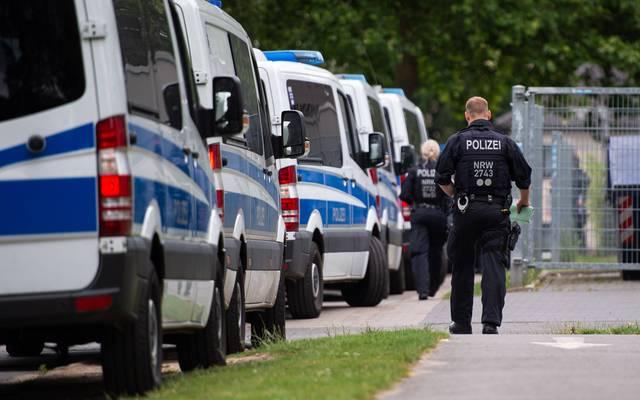 240 Fans von Eintracht Frankfurt und Darmstadt 98 haben sich zu einer Massenschlägerei