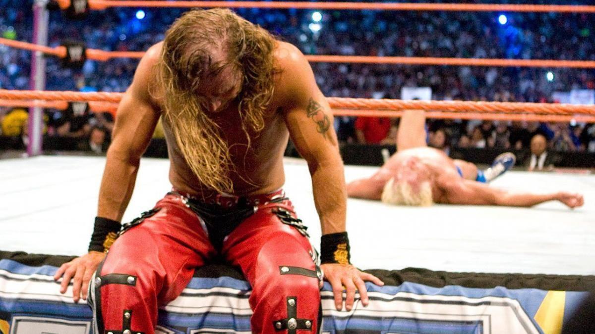 Shawn Michaels lässt bei WrestleMania XXIV den geschlagenen Ric Flair zurück