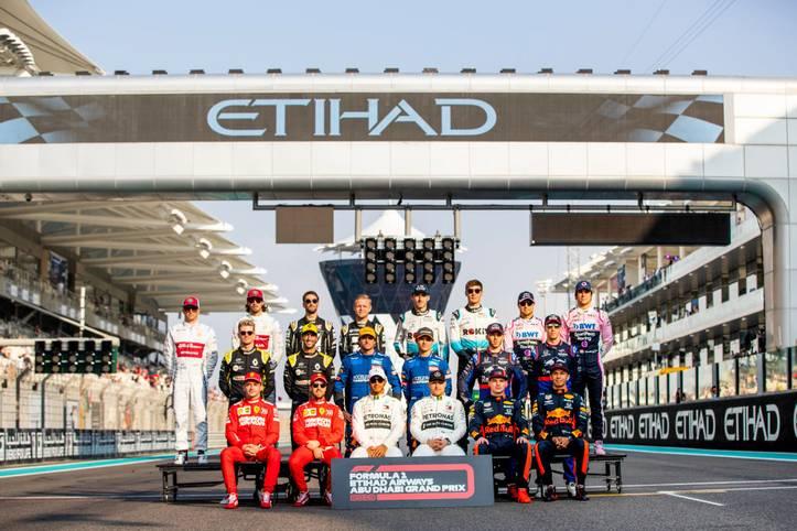 Zum letzten Rennen der Saison 2019 erscheint die Formel-1-Elite in Abu Dhabi. Die Titel sind vergeben, ein Deutscher verabschiedet sich. SPORT1 zeigt die Bilder des Rennens