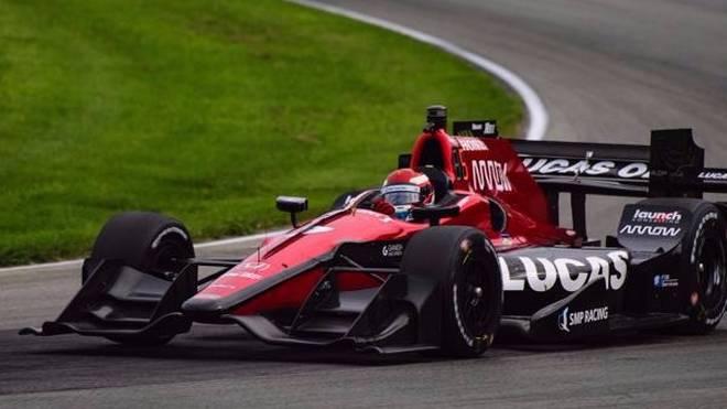 Wer greift in der kommenden Saison für das Schmidt-Peterson-Team ins Lenkrad?
