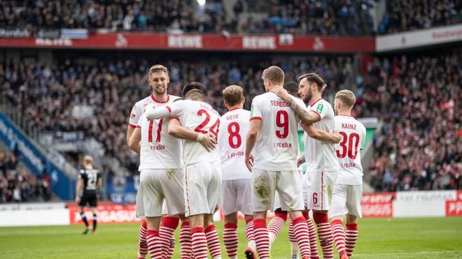 1. FC Köln feiert eines seiner Tore gegen Arminia Bielefeld
