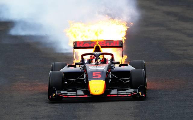 Der Red Bull von Liam Lawson ging in Ungarn in Flammen auf