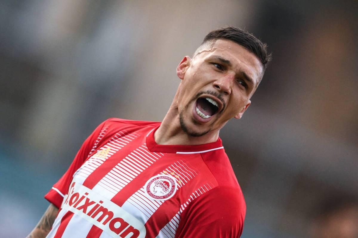Jose Holebas kehrt überraschend nach Deutschland zurück. Der Verteidiger wechselt zum FC Bayern Alzenau in die Hessenliga.
