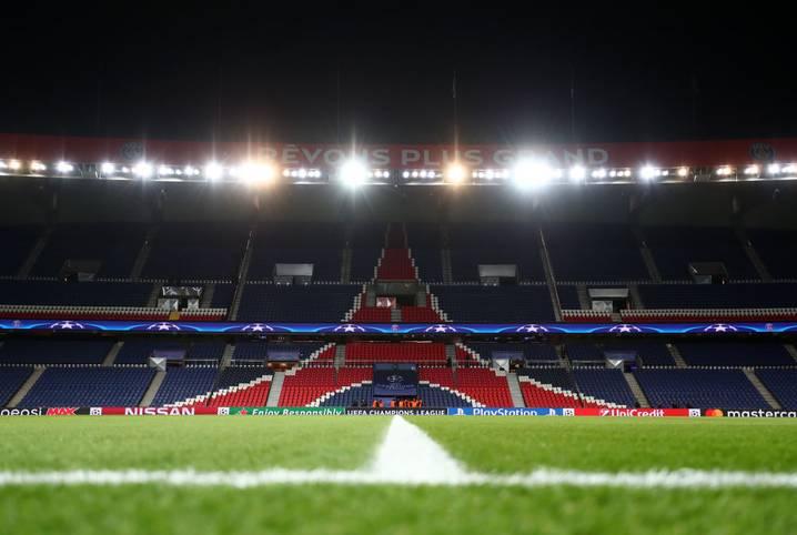 Der Coronavirus trifft den Fußball mit voller Wucht. Das Achtelfinal-Rückspiel in der Champions League  Paris Saint-Germain gegen Borussia Dortmund am Mittwoch findet nach einer Entscheidung der Polizei-Präfektur Paris ohne Zuschauer statt