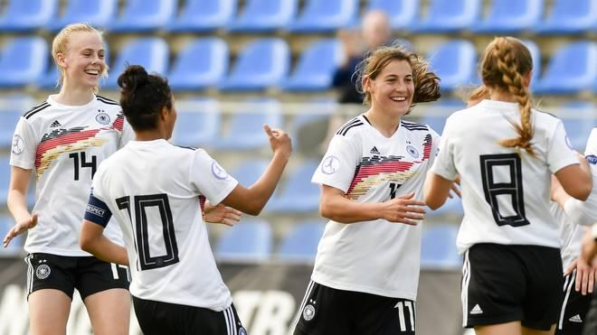Die deutschen U17-Juniorinnen stehen bei der EM im Halbfinale