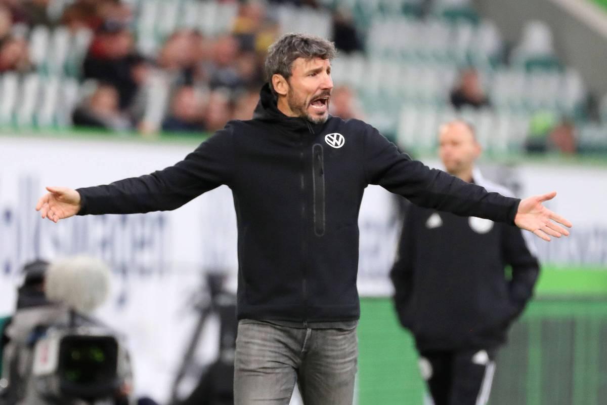 Der frühere Wolfsburger Meistertrainer spricht im STAHLWERK Doppelpass über die Krise des VfL und seinen früheren Spieler Mark van Bommel.