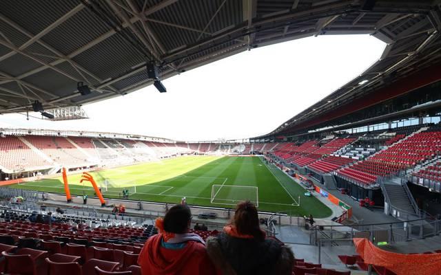 Das Stadion von Alkmaar ist nach einem Dacheinsturz gesperrt