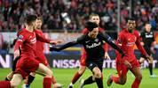 Takumi Minamino (M.) gegen Liverpool