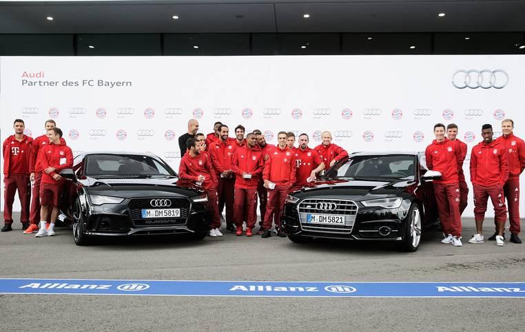 Nach der Kür folgt die Pflicht. Die Bayern-Profis müssen einen Tag nach der Lewandowski-Gala gegen Wolfsburg zum Sponsoren-Termin nach Neuburg an der Donau. Dort bekommen die Münchner ihren neuen fahrbahren Untersatz aus dem Hause Audi