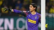 DORTMUND, GERMANY - OCTOBER 19: Yann Sommer of Borussia Monchengladbach gives his team instructions during the Bundesliga match between Borussia Dortmund and Borussia Moenchengladbach at Signal Iduna Park on October 19, 2019 in Dortmund, Germany. (Photo by Jörg Schüler/Bongarts/Getty Images)