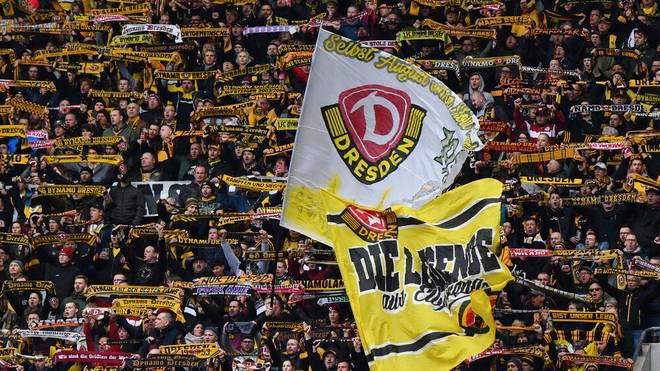 Zumindest ein paar der Dresdener Fans dürfen wieder ins Stadion