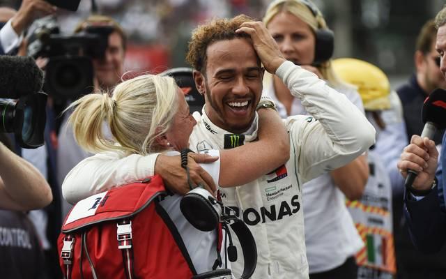 Lewis Hamilton krönt sich zum fünften Mal zum Champion der Formel 1