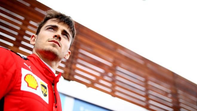 So sehen Sieger aus: Charles Leclerc gewinnt bei der virtuellen Formel 1 erneut