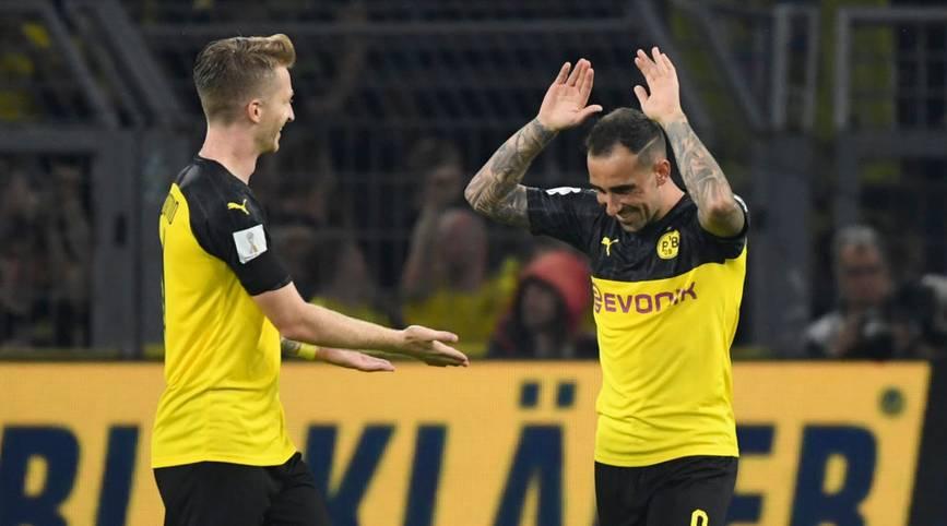 Können Marco Reus und Paco Alcácer nicht spielen, sieht es in der Offensive des BVB düster aus. Zusammen erzielte das Duo die Hälfte (13/26) aller Pflichtspieltore der Dortmunder in dieser Saison und ist damit für Lucien Favres Mannschaft eigentlich unverzichtbar