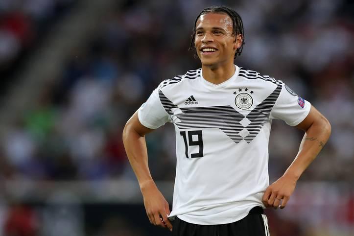 Gesprochen wurde über die Personalie Sané dafür auffallend häufig - auch und gerade vonseiten der Verantwortlichen des FC Bayern. Ob das den Bemühungen zuträglich war? Inzwischen glaubt man das in München offenbar nicht mehr