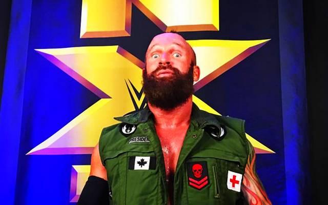 Eric Young feiert sein Debüt bei WWE