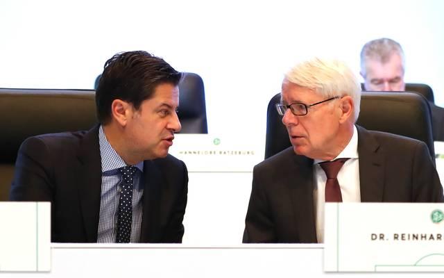DFL-Boss Reinhard Rauball (rechts) und Geschäftsführer Christian Seifert führen die DFL
