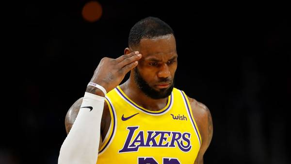 ATLANTA, GEORGIA - DECEMBER 15:  LeBron James #23 of the Los Angeles Lakers against the Atlanta Hawks at State Farm Arena on December 15, 2019 in Atlanta, Georgia.  NOTE TO USER: User expressly acknowledges and agrees that, by downloading and/or using this photograph, user is consenting to the terms and conditions of the Getty Images License Agreement.  (Photo by Kevin C. Cox/Getty Images)