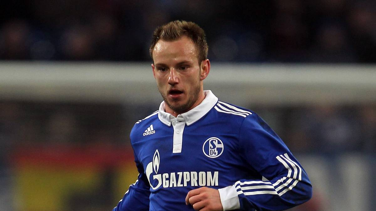 GELSENKIRCHEN, GERMANY - JANUARY 25:  Ivan Rakitic of Schalke runs with the ball during the DFB Cup quarter final match between FC Schalke 04 and 1. FC Nuernberg at Veltins Arena on January 25, 2011 in Gelsenkirchen, Germany.  (Photo by Lars Baron/Bongarts/Getty Images)